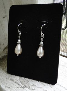 bridesmaids earrings c